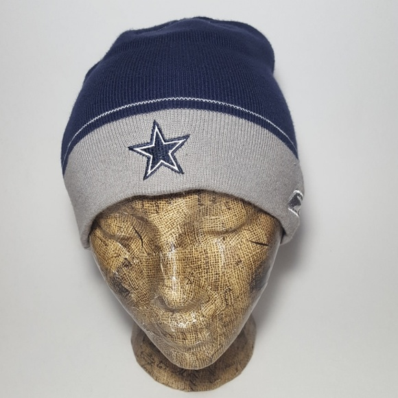 ea9443bbb Vintage Dallas Cowboys Reebok Skull Cap Beanie EUC.  M 5b6d51aedf030755615d2506